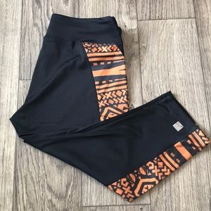 🆕 2XL LuLaRoe Tribal Design Workout Jade Leggings